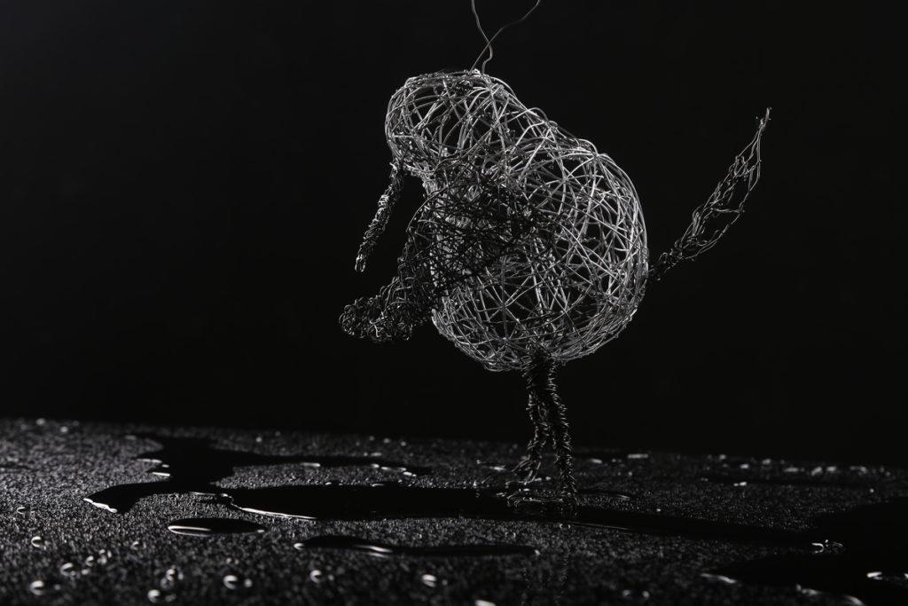 Bird Sculpture in Steel Wire by Fox Larsson